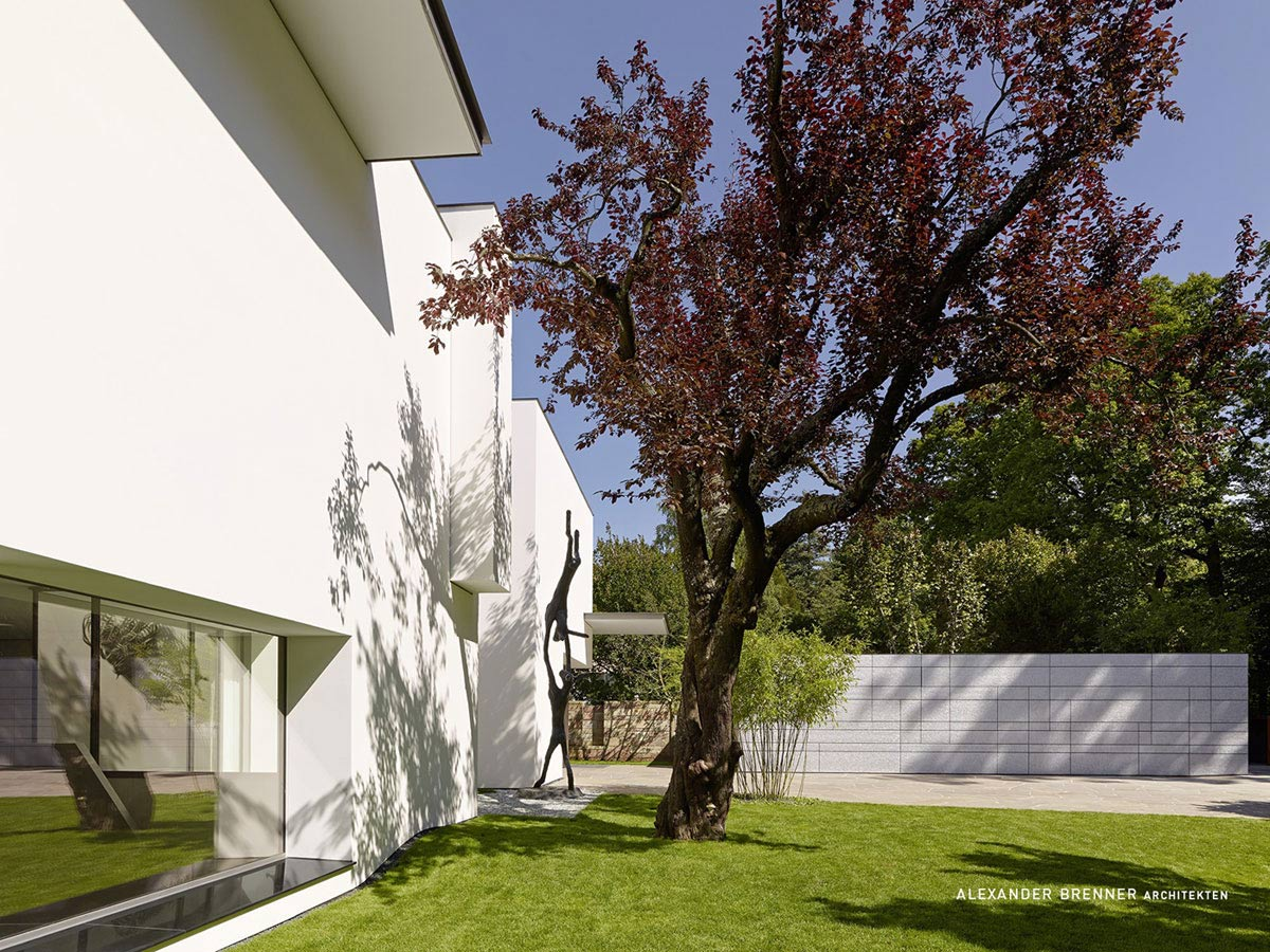 Garden, Art, Elegant Villa in Stuttgart, Germany