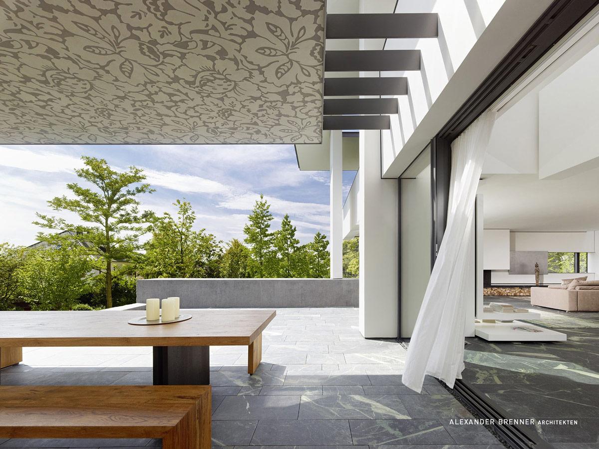 Tiled Terrace, Outdoor Dining, Elegant Villa in Stuttgart, Germany