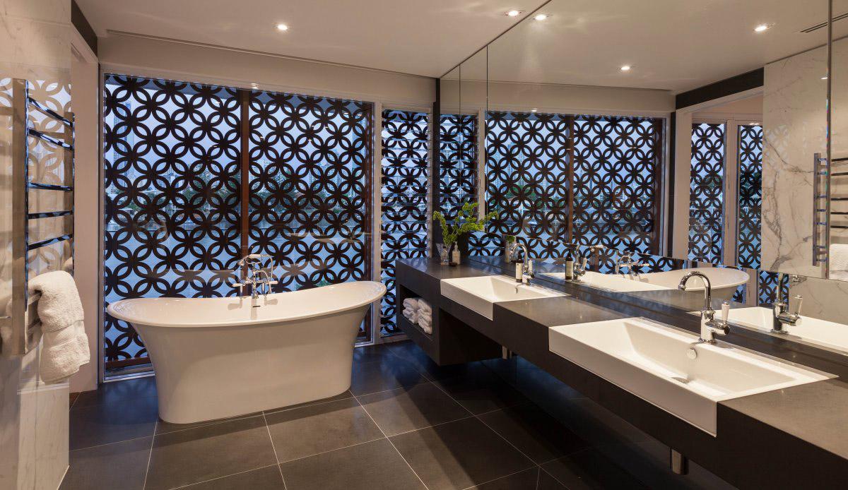 Bathroom, Water View, Stunning Waterfront Home in Queensland, Australia