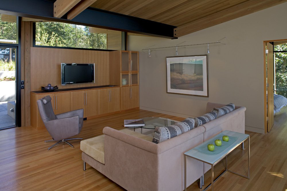 Sofa, Living Space, Whidbey Island Cabin with Exceptional Views