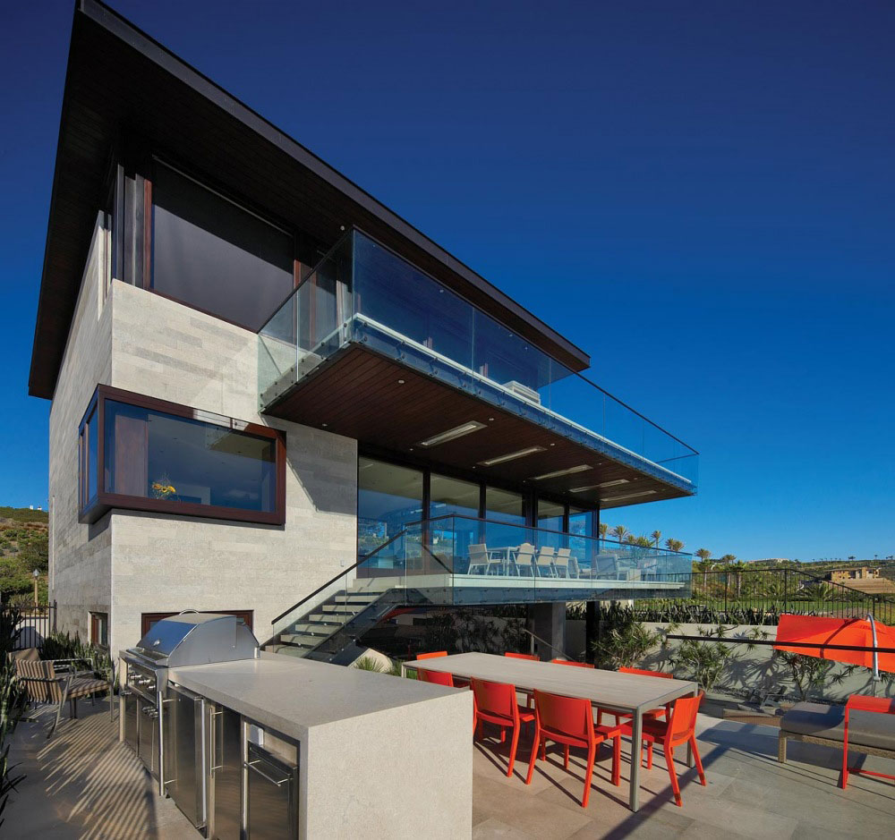 Outdoor Kitchen, Dining Table, Contemporary Beach House in Dana Point, California