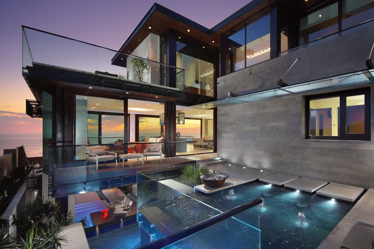 Water Feature, Glass Balustrading, Contemporary Beach House in Dana Point, California