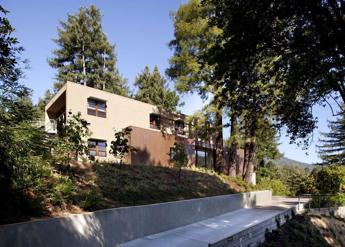 Road View, Impressive House in Marin, California