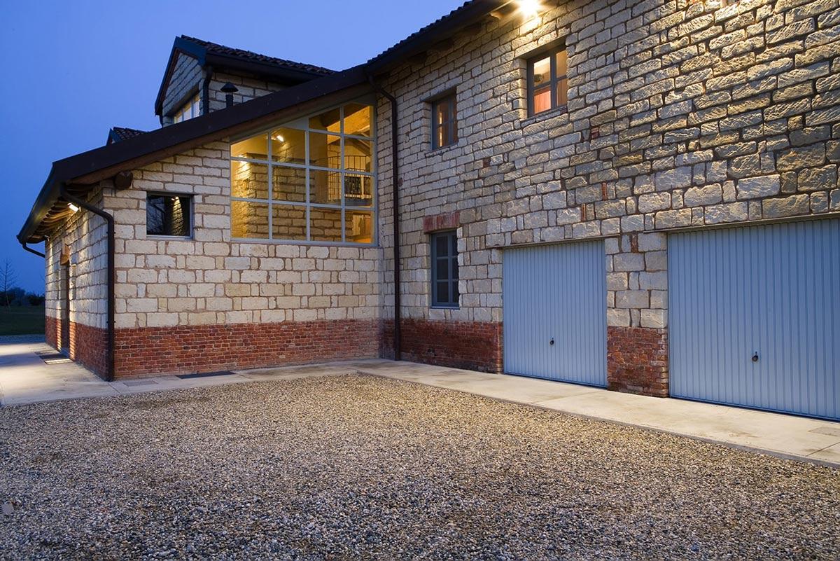 Garages, Rustic Farmhouse in Rosignano Monferrato, Italy
