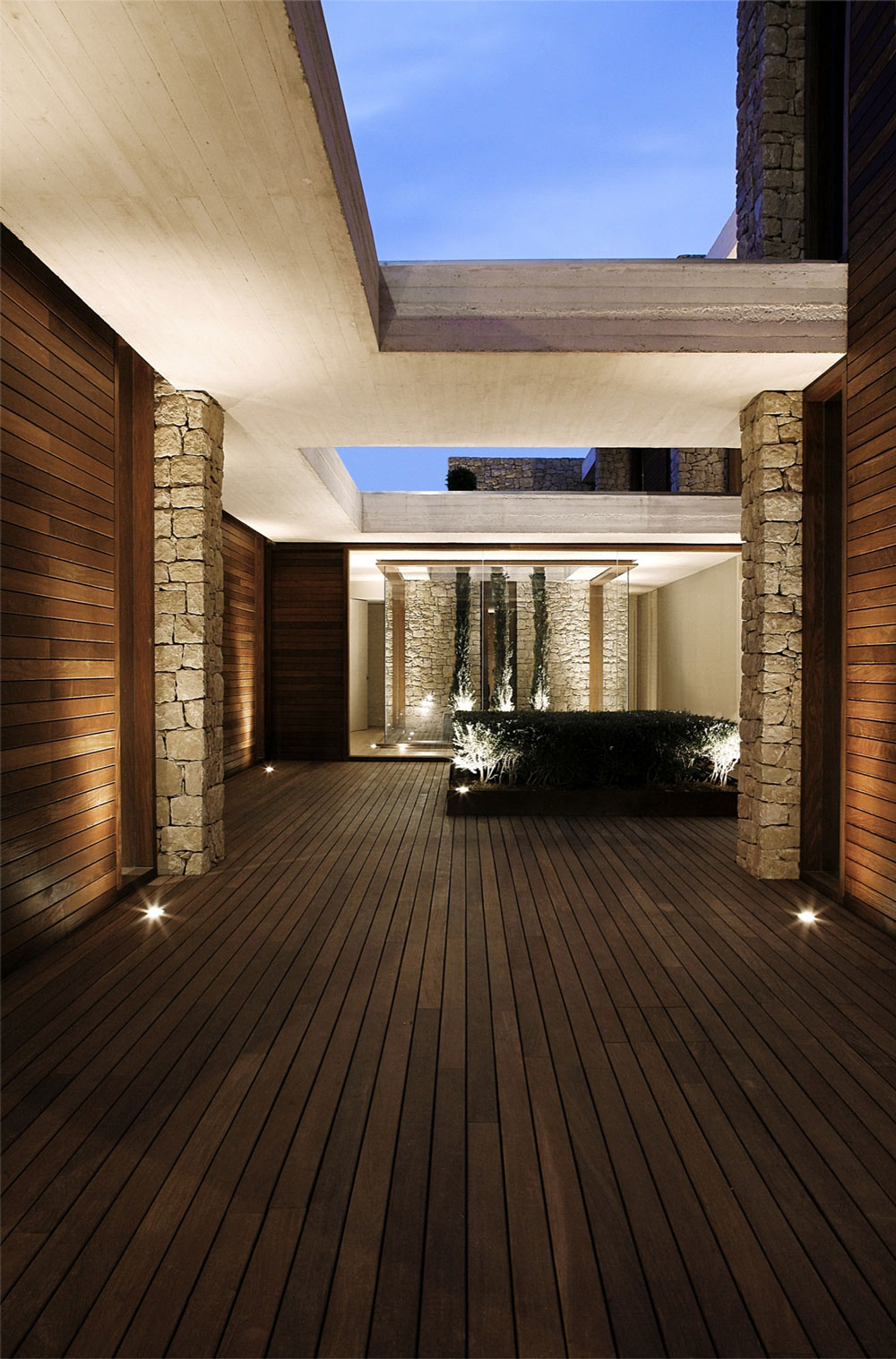 Courtyard, Lighting, Contemporary Home in Monasterios, Spain