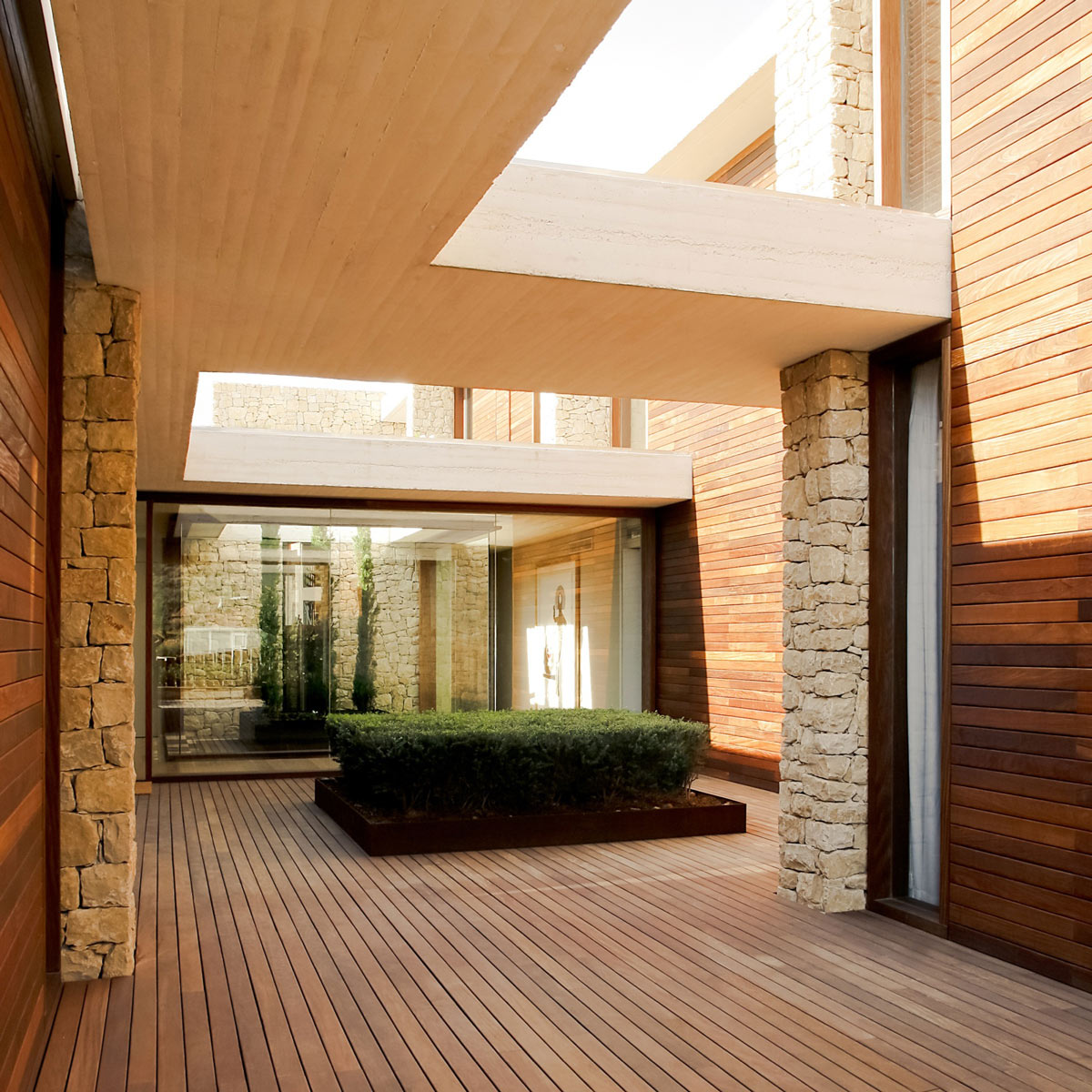 Courtyard, Contemporary Home in Monasterios, Spain