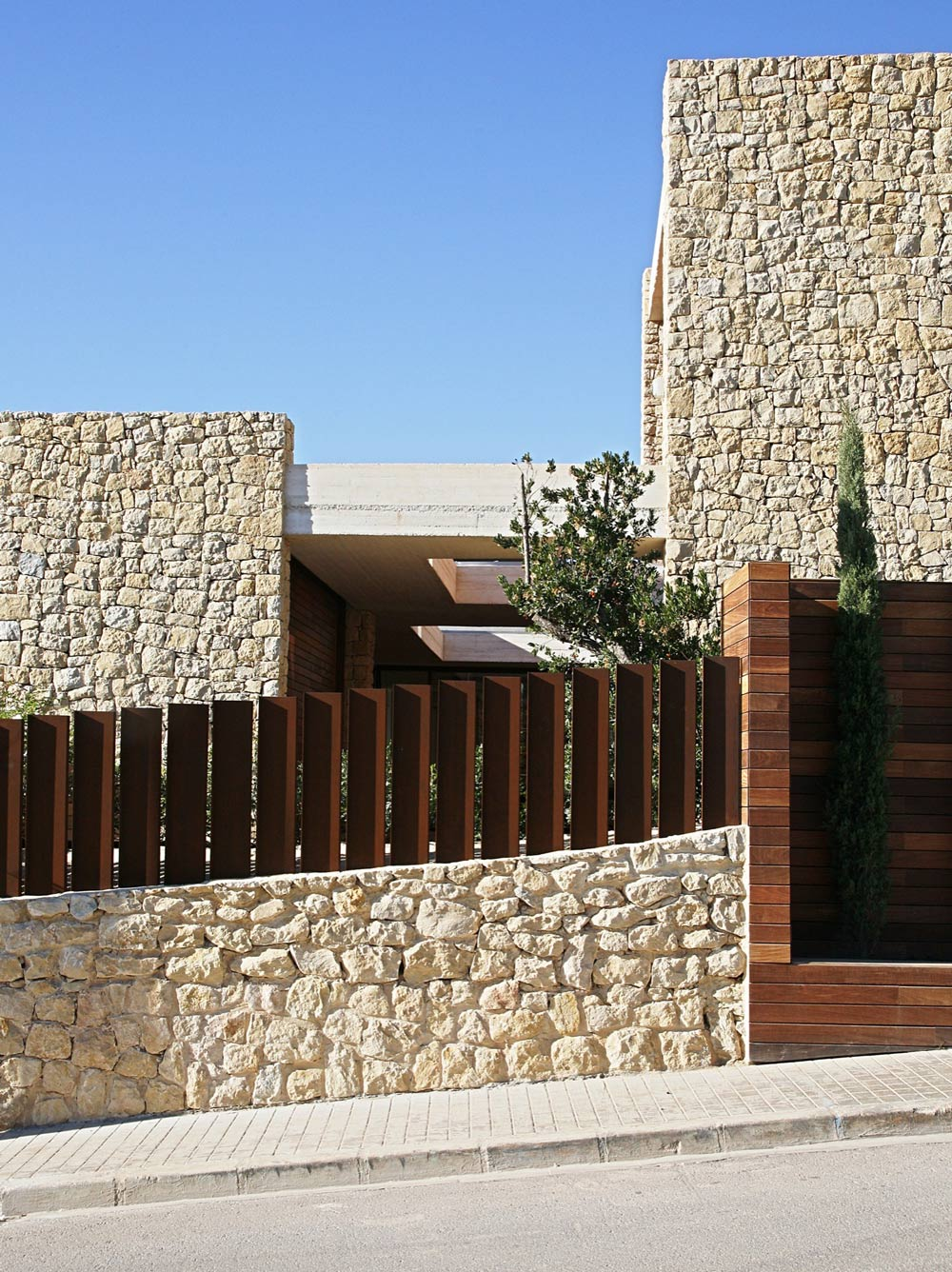 Street View, Contemporary Home in Monasterios, Spain