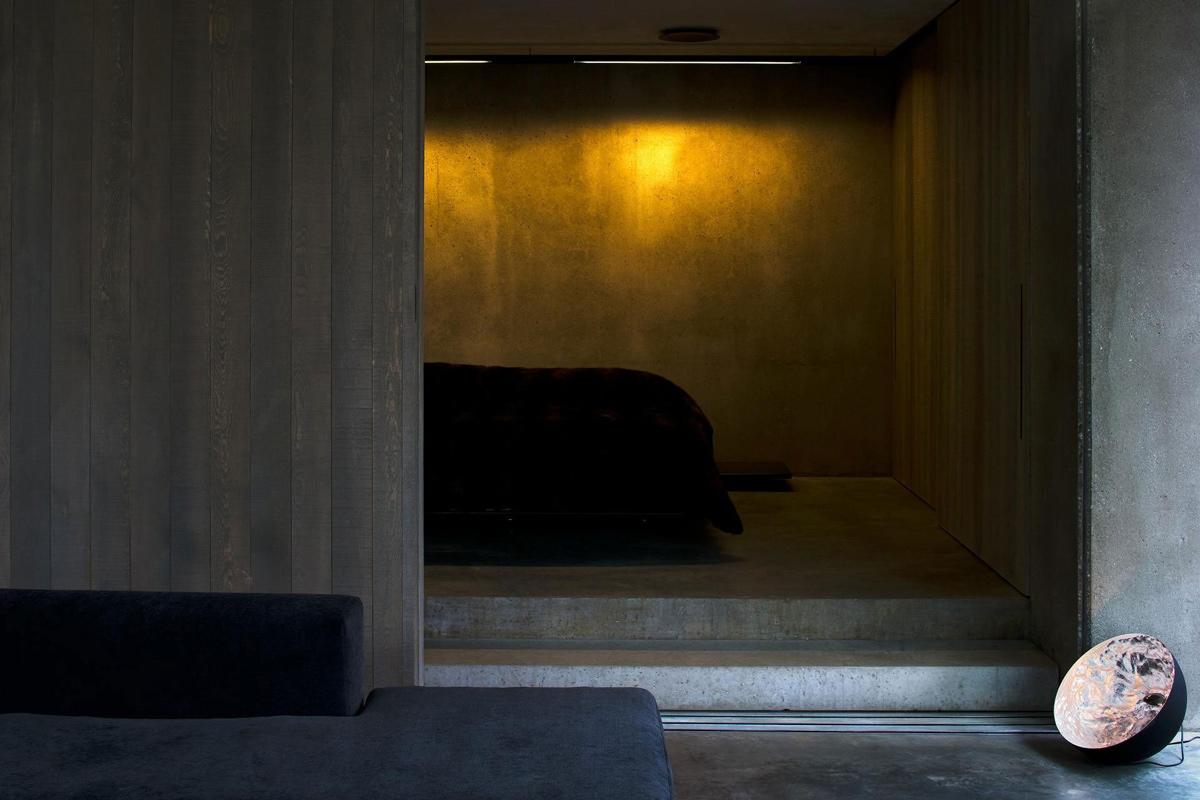 Large Wooden Door, Bedroom, Mountain Retreat in Closeburn Station, New Zealand