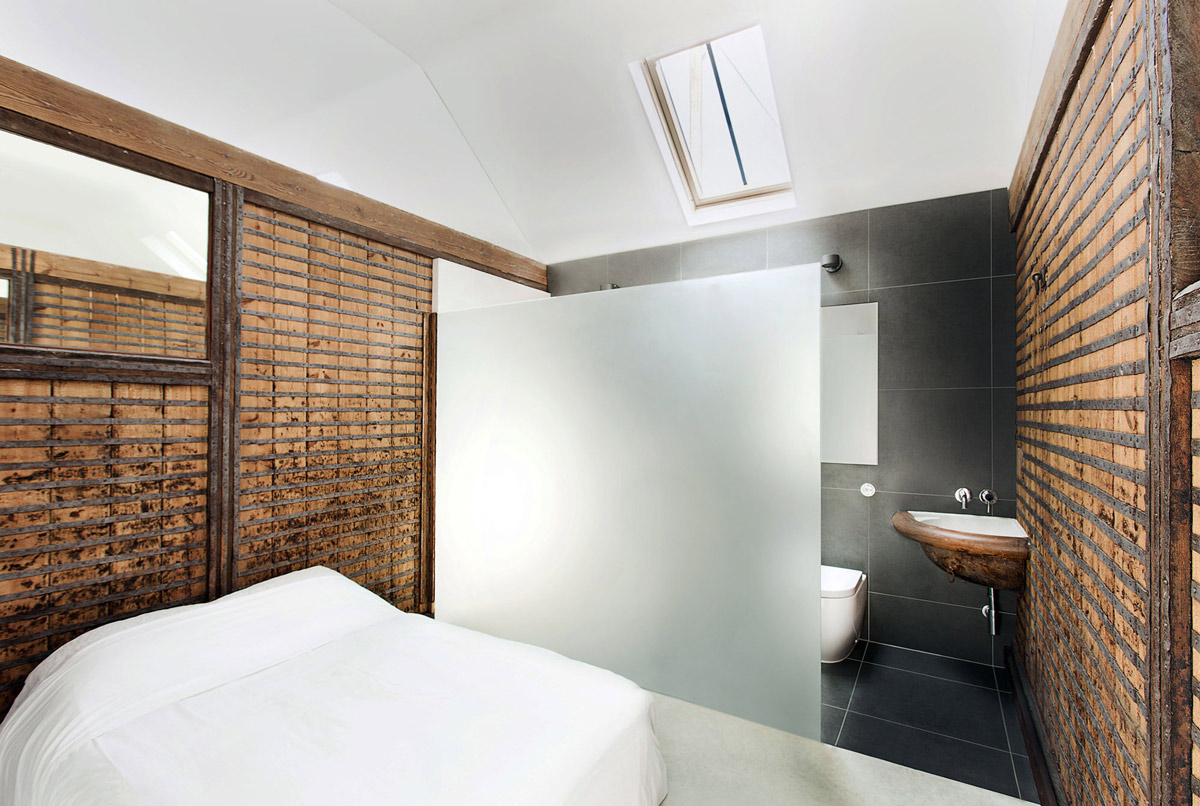 Bedroom, Glass Screen, Bathroom, Converted Stables in Winchester, England