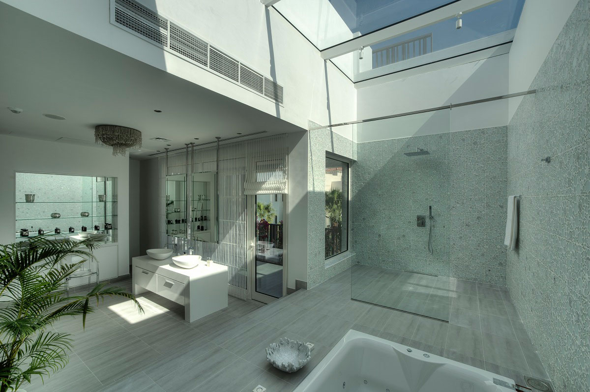 Glass shower skylight bathroom the reserve luxury for Bathroom designs dubai