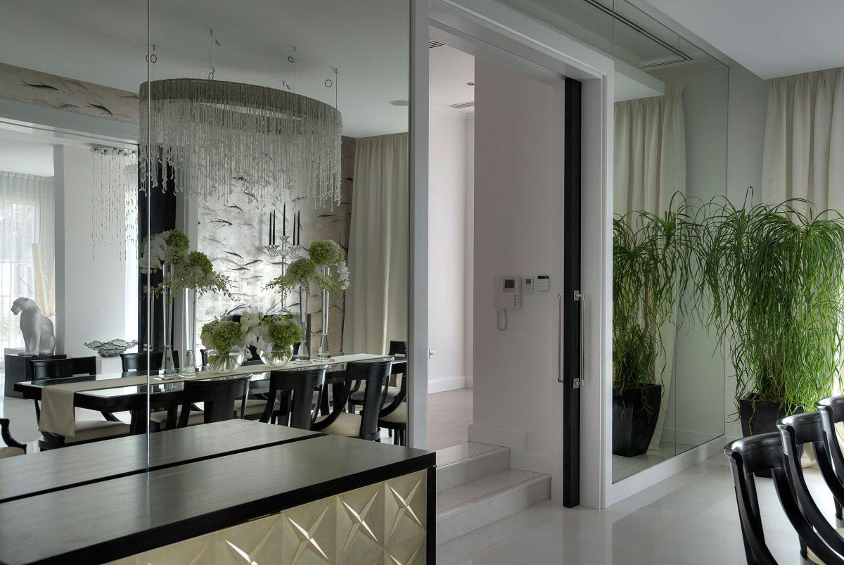 Mirrored Wall, Dining Room, The Reserve, Luxury Villas in Al Barari, Dubai