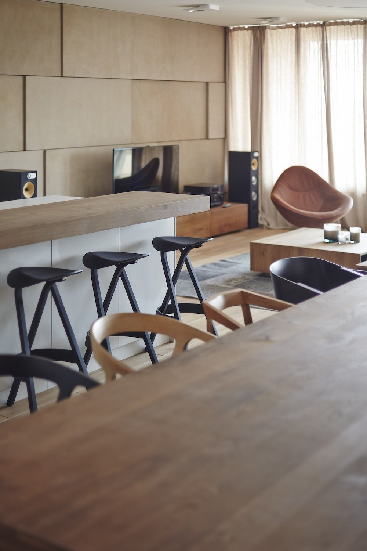 Breakfast Bar, Dining Table, Riverside Apartment in Bratislava, Slovakia