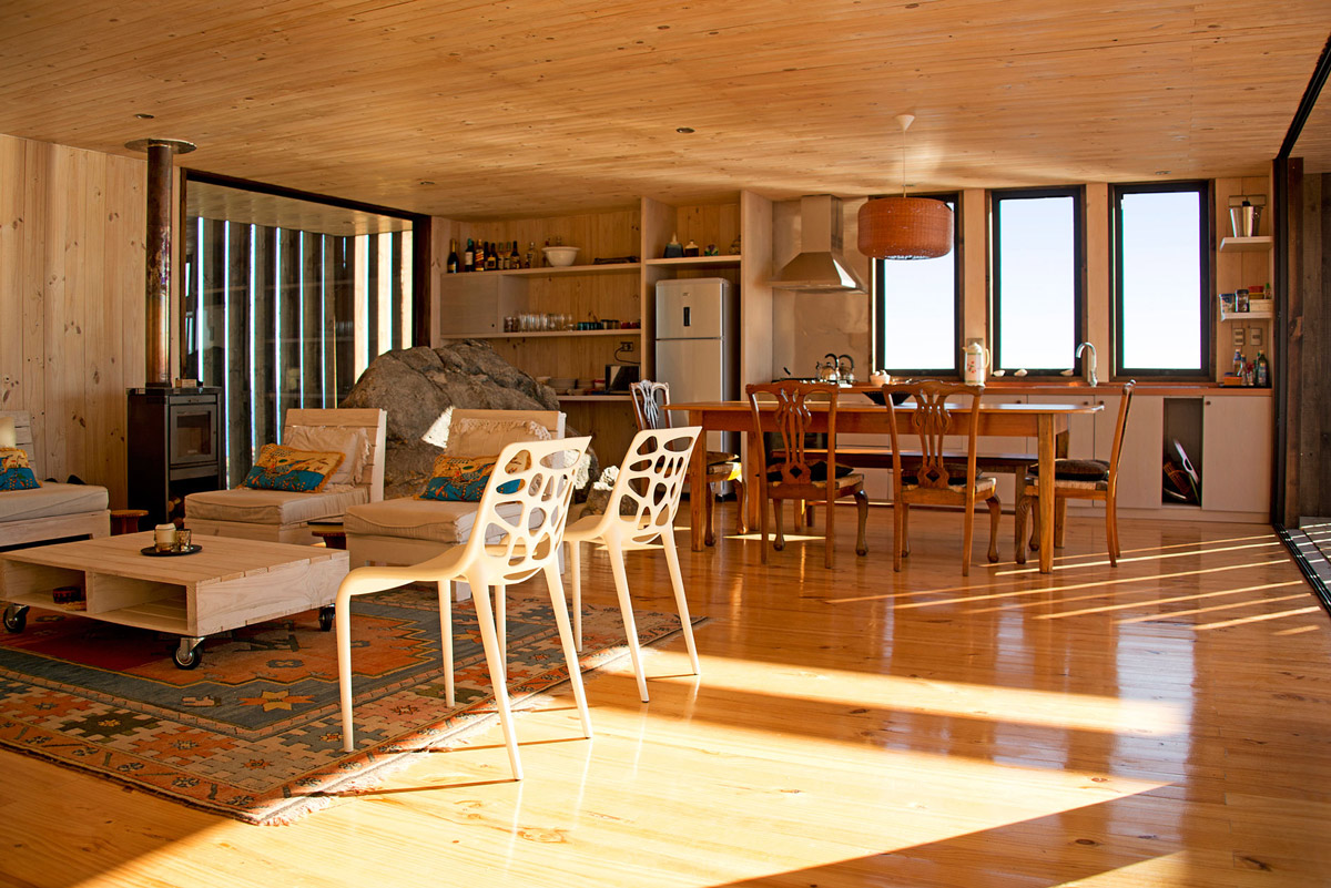 Open Plan Living Space, Clifftop Home with Panoramic Ocean Views in Tunquén, Chile
