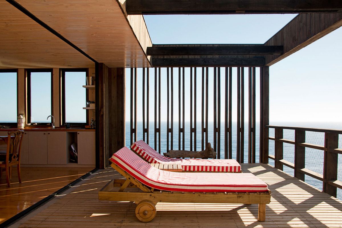 Wooden Deck, Ocean Views, Clifftop Home with Panoramic Ocean Views in Tunquén, Chile