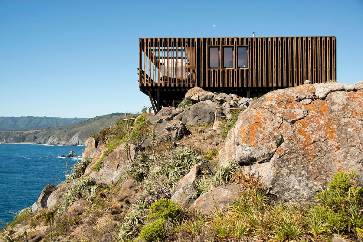 Clifftop Home with Panoramic Ocean Views in Tunquén, Chile