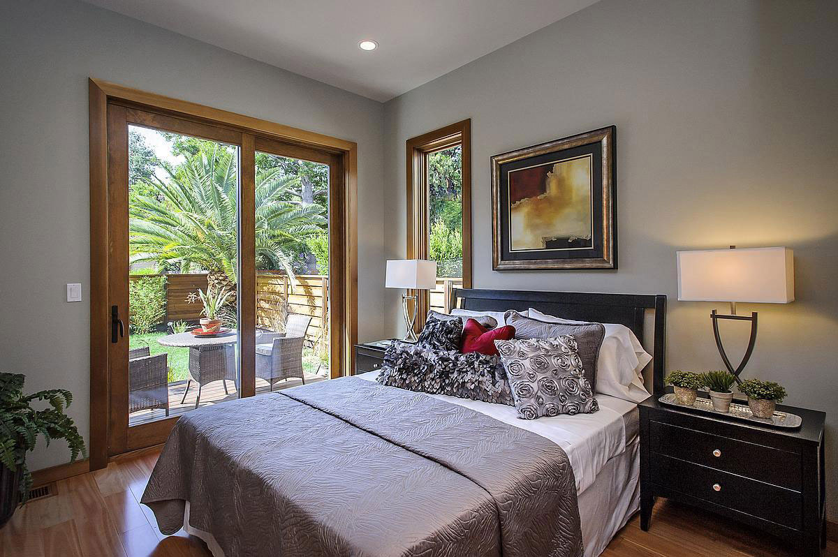 Patio Doors, Bedroom, Modern Home in Burlingame, California