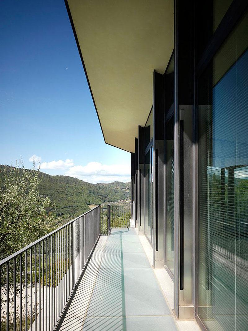 Balcony, Glass Walls, Modern Home in Prato, Italy
