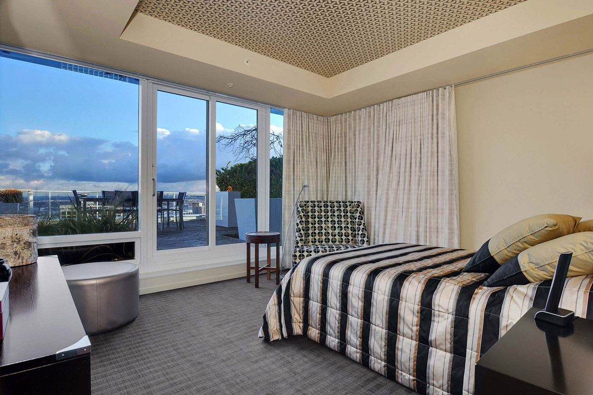 Bedroom, Balcony, Beautiful Apartment with Amazing Views in Vancouver, Canada
