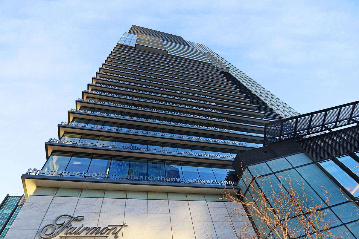 Building, Beautiful Apartment with Amazing Views in Vancouver, Canada