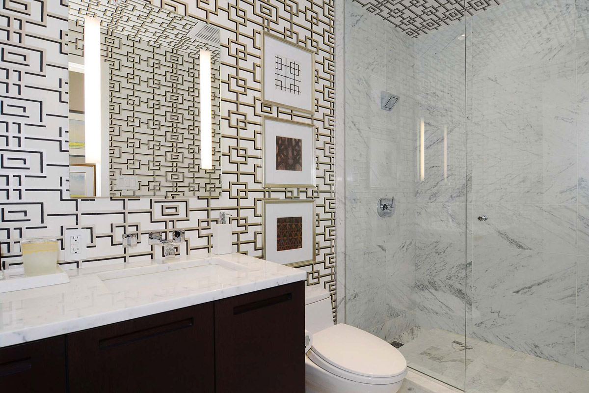 Busy Bathroom Walls, Beautiful Apartment with Amazing Views in Vancouver, Canada