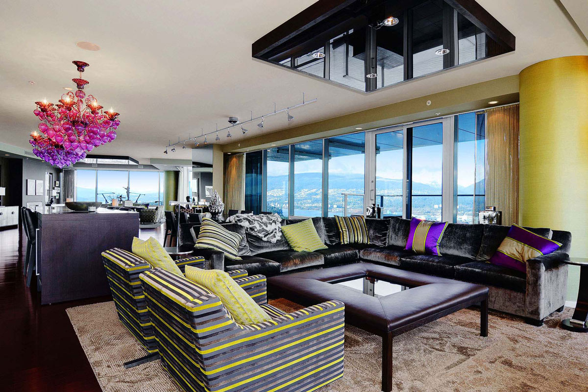 Chandelier, Lighting, Living Space, Beautiful Apartment with Amazing Views in Vancouver, Canada