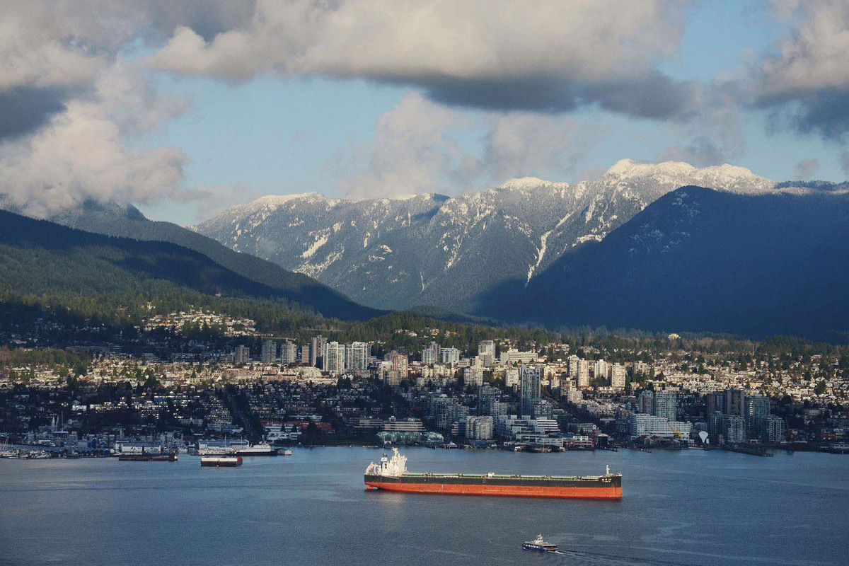 Vancouver City, Inlet & Mountain Views, Beautiful Apartment with Amazing Views in Vancouver, Canada