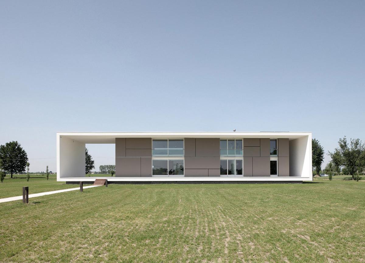 Modern Eco-Friendly Home in Castelnovo di Sotto, Italy