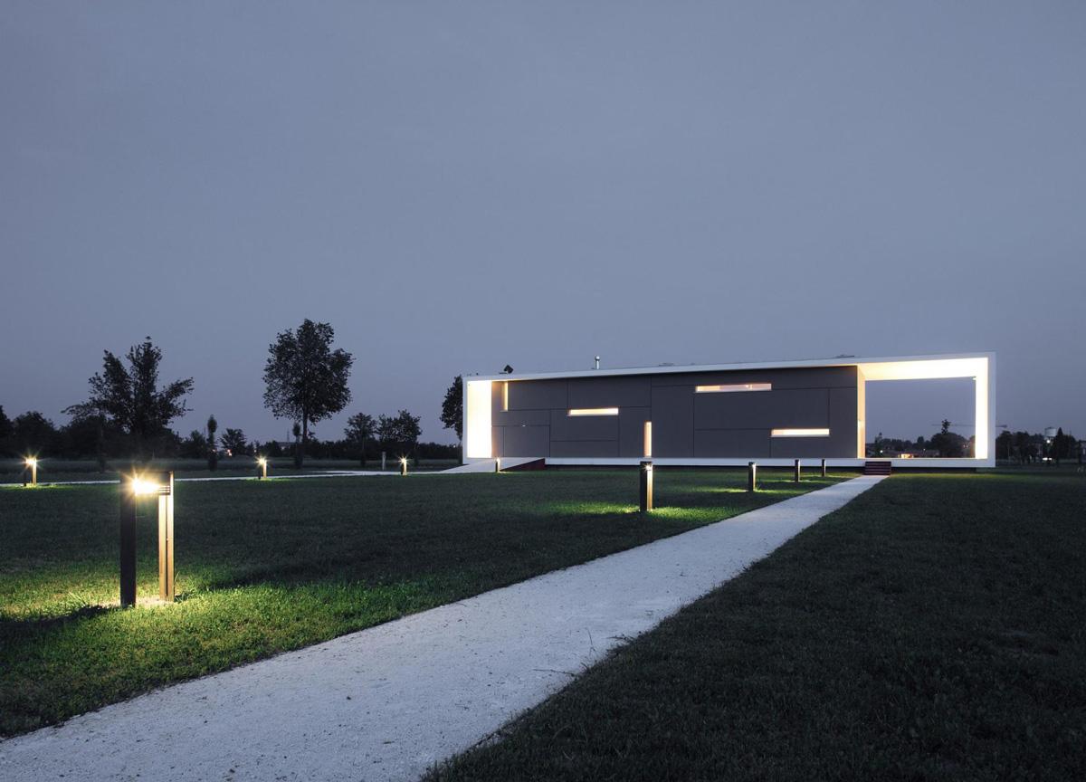 Garden Lighting, Modern Eco-Friendly Home in Castelnovo di Sotto, Italy