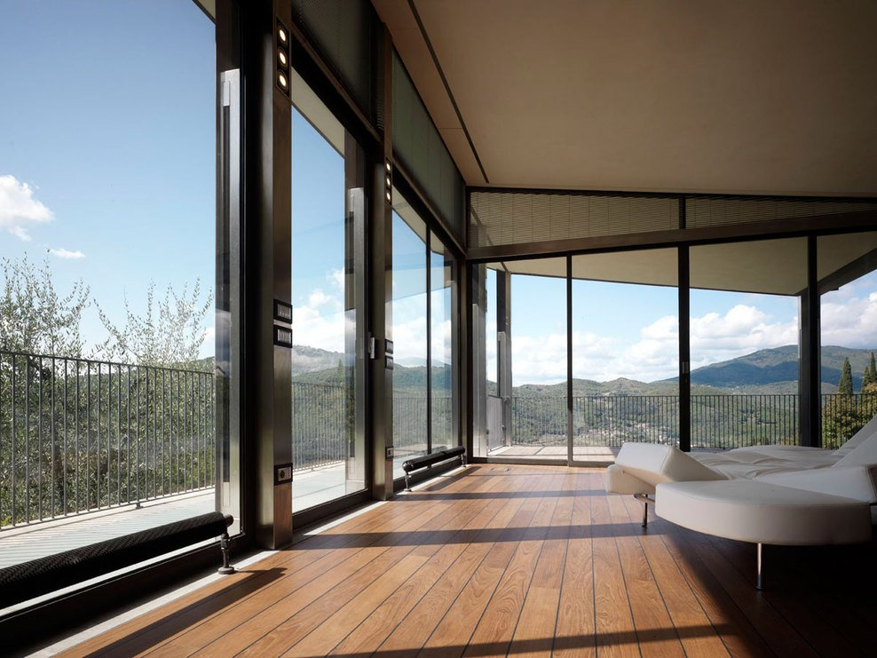 Glass Walls, Modern Home in Prato, Italy