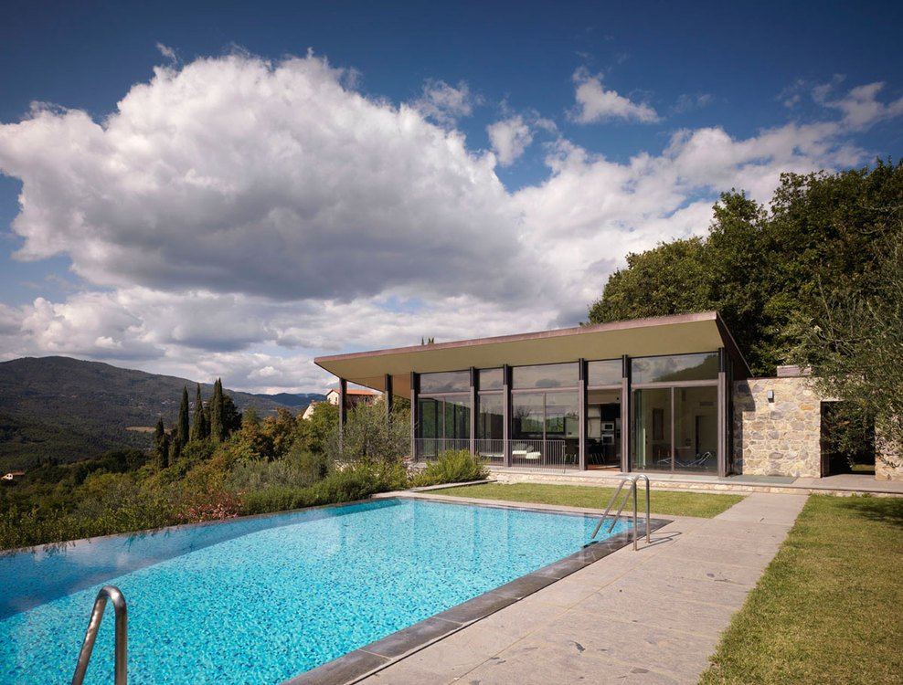 Infinity Pool, Terrace, Modern Home in Prato, Italy