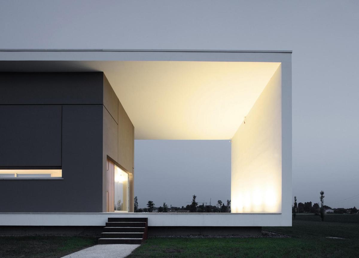 Lighting, Modern Eco-Friendly Home in Castelnovo di Sotto, Italy