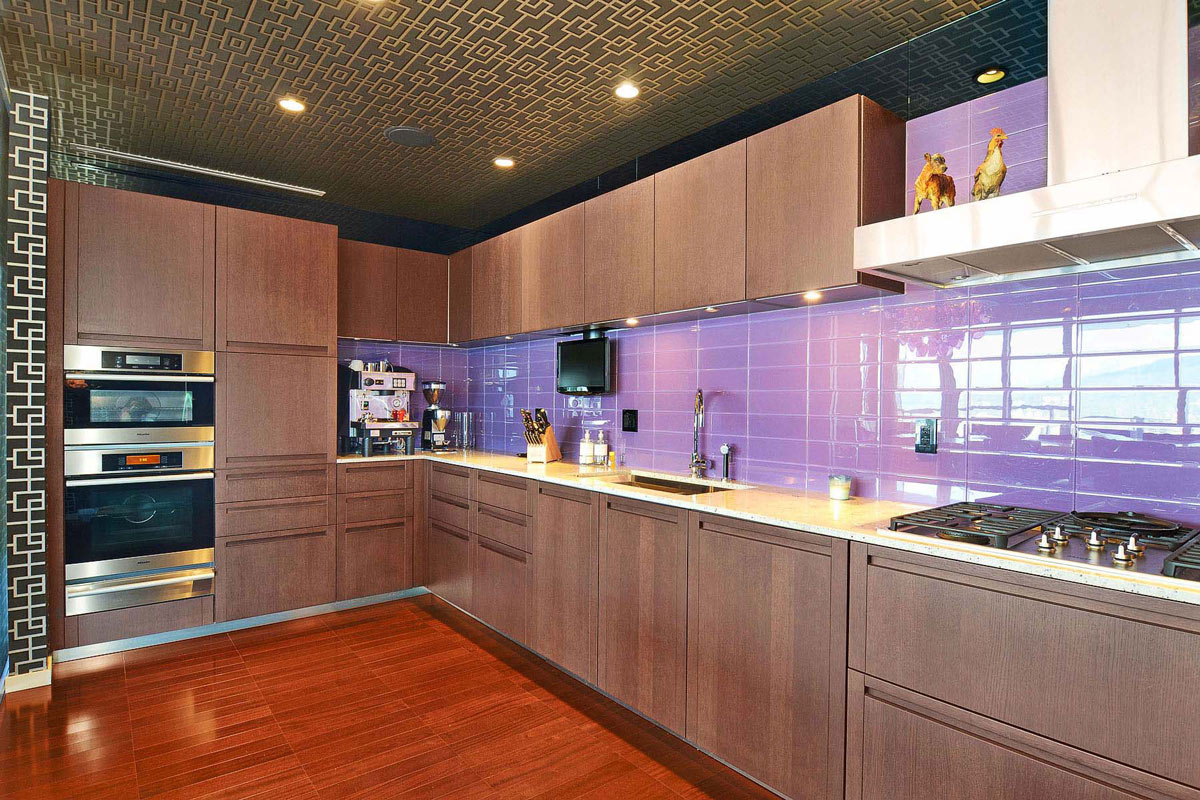 Modern kitchen beautiful apartment with amazing views in for Kitchen furniture vancouver bc