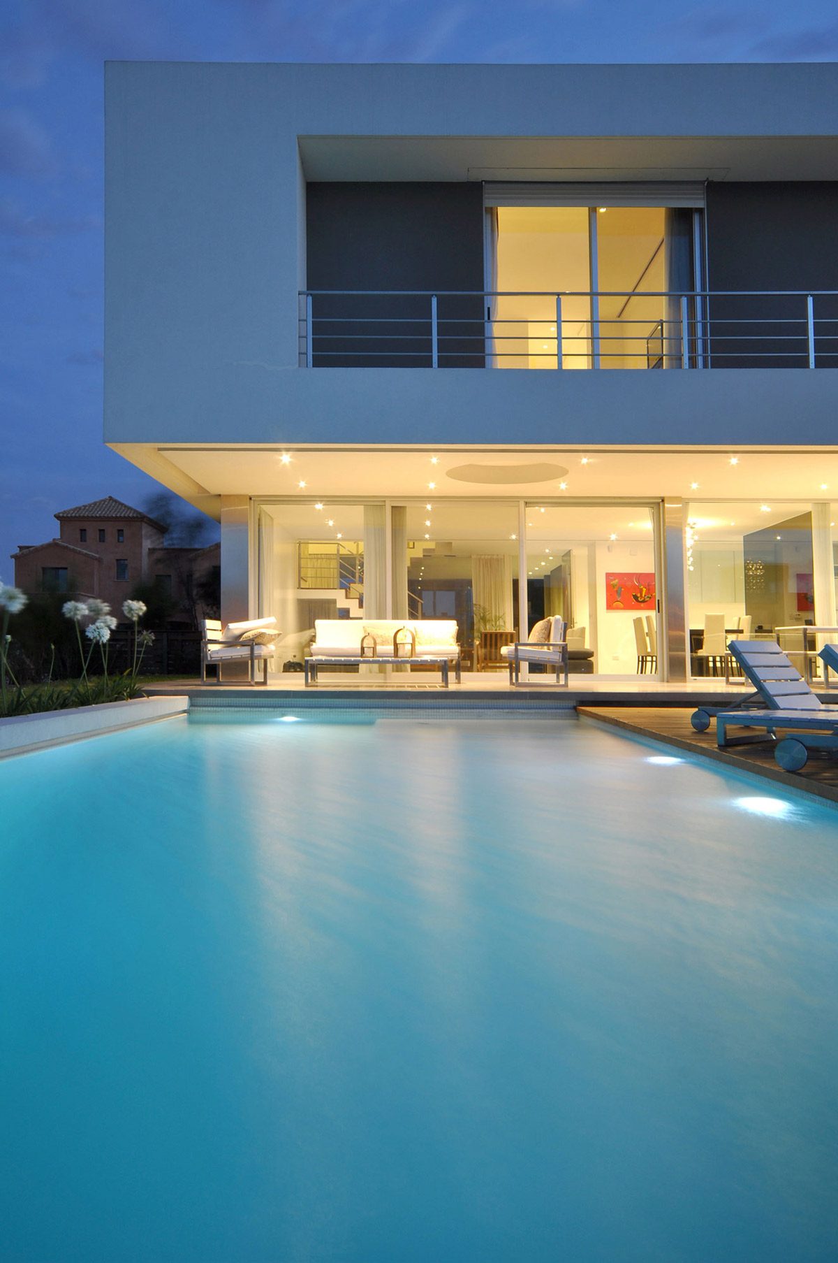 Pool Lights, Evening, S-Shaped House in Cabos del Lago, Argentina