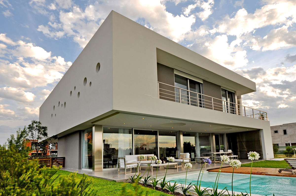 Pool, Terrace, Outdoor Living Space, S-Shaped House in Cabos del Lago, Argentina