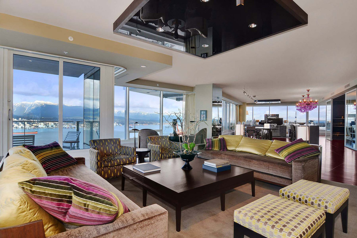 Sofas, Coffee Table, Open Plan Living, Beautiful Apartment with Amazing Views in Vancouver, Canada