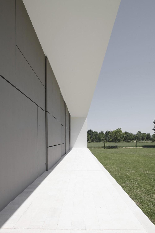 Terrace, Modern Eco-Friendly Home in Castelnovo di Sotto, Italy