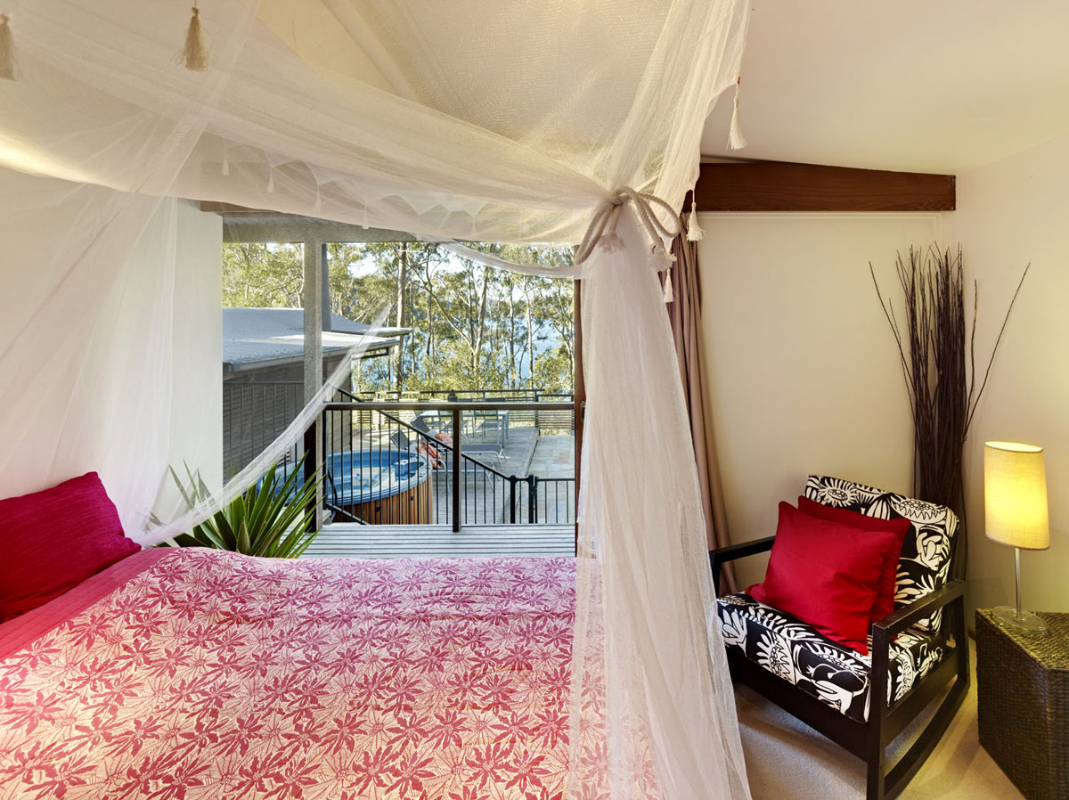 Bedroom, Balcony, Treetops Holiday Home in Sydney, Australia