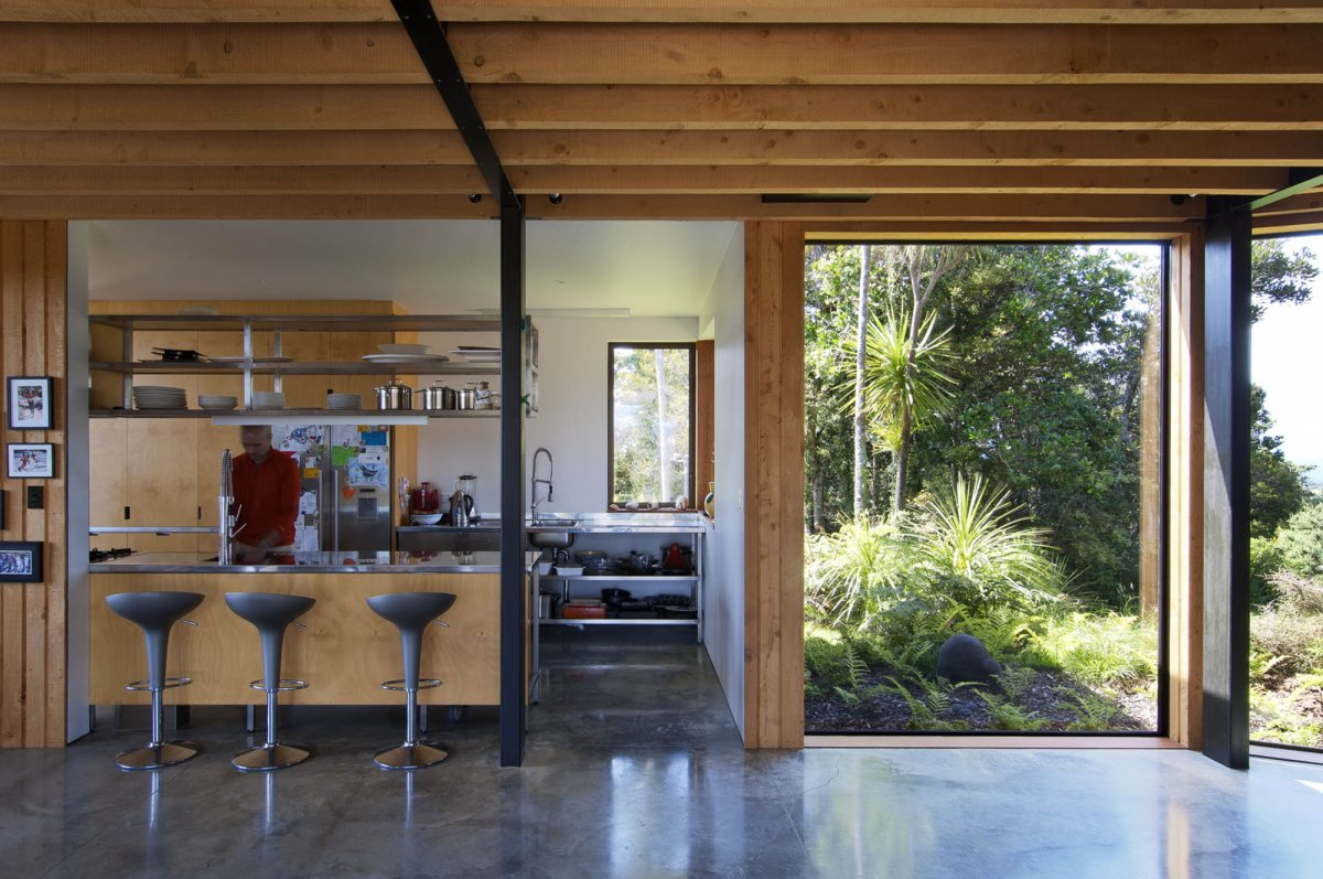 Breakfast Bar, Hilltop Home with Stunning Views in Ngunguru, New Zealand