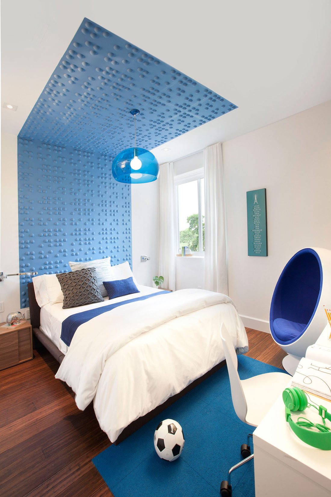 Blue & White Children's Bedroom, Stylish Interior Design in Miami, Florida