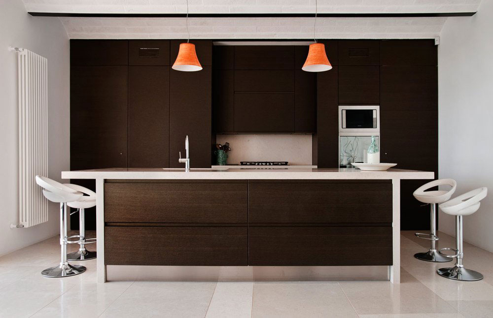 Light & Dark Kitchen, Holiday Home in Brindisi, Italy