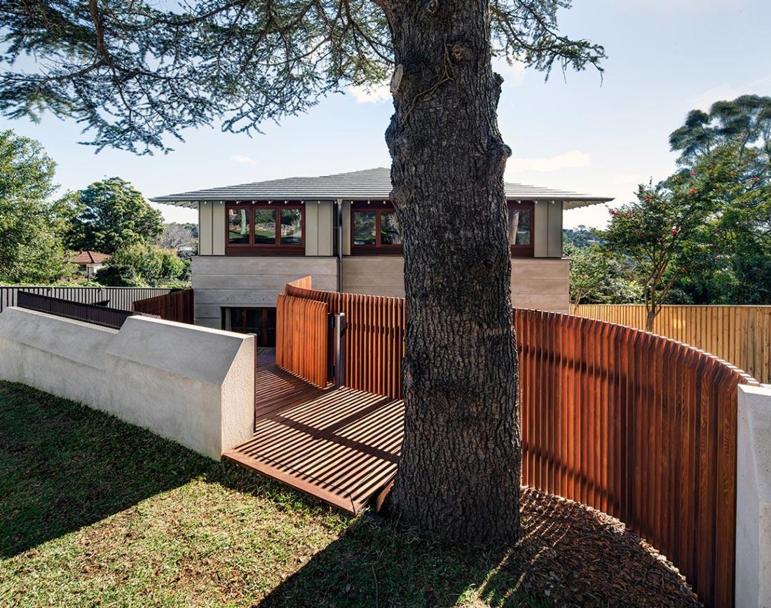 Garden Fence, Contemporary Home in Sydney Australia