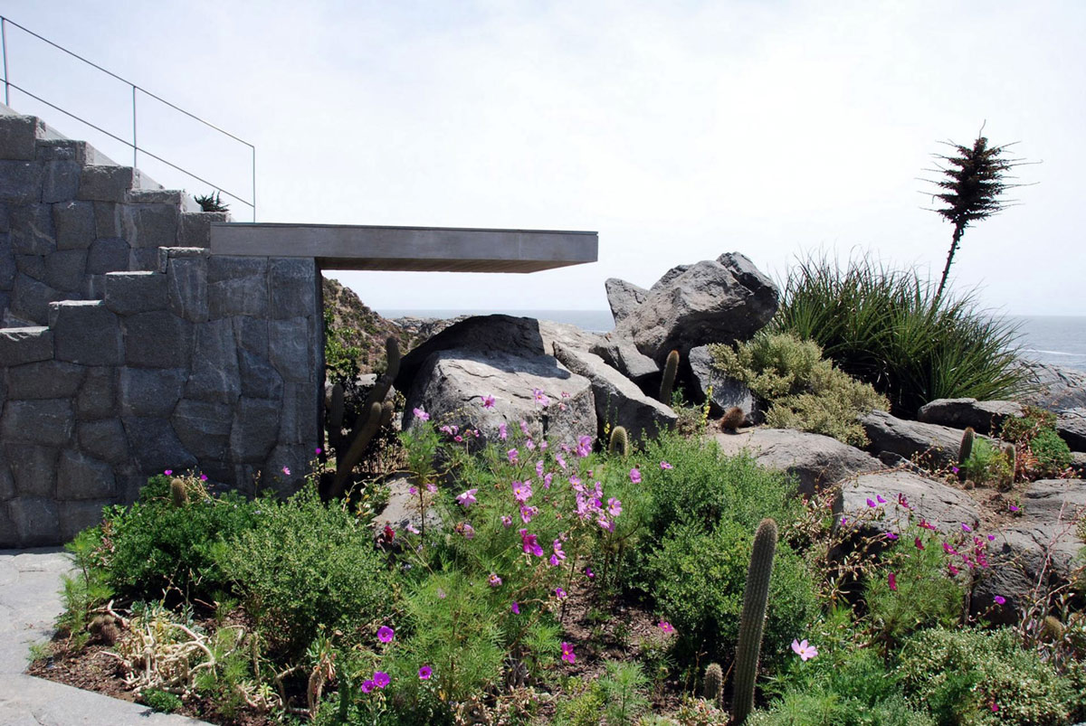 Garden, Stairs, Oceanfront Holiday Houses in Punta Pite, Chile