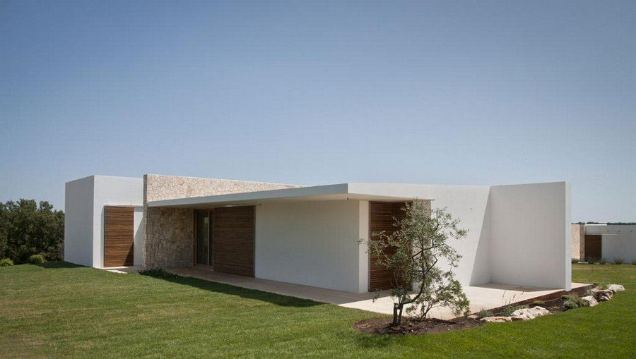 Lawn, Stone Walls, Holiday Home in Brindisi, Italy
