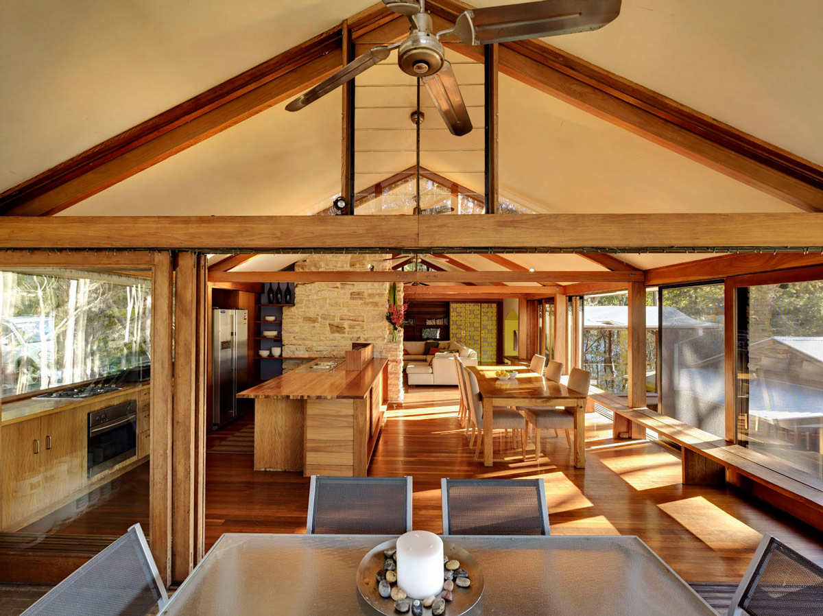 Open Plan Dining, Kitchen & Living Space, Treetops Holiday Home in Sydney, Australia
