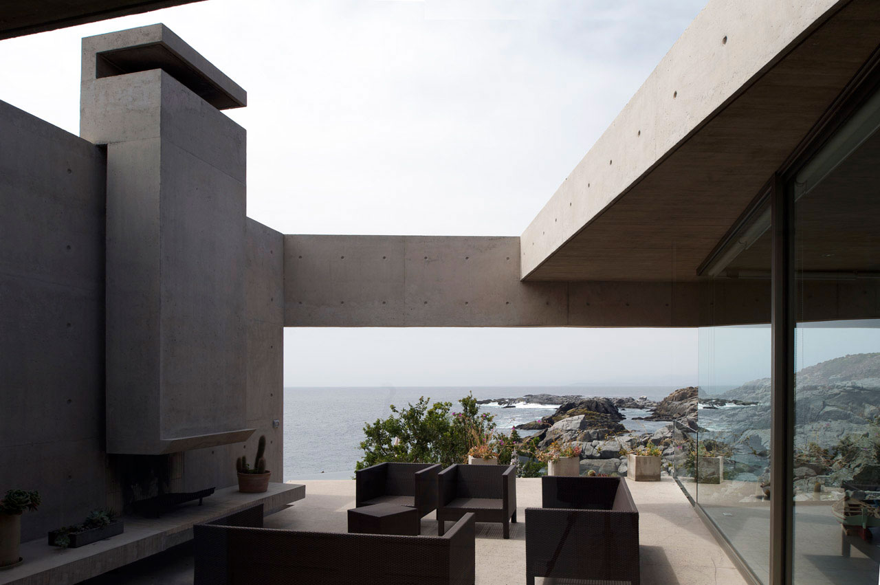 Outdoor Fireplace, Living Space, Oceanfront Holiday Houses in Punta Pite, Chile