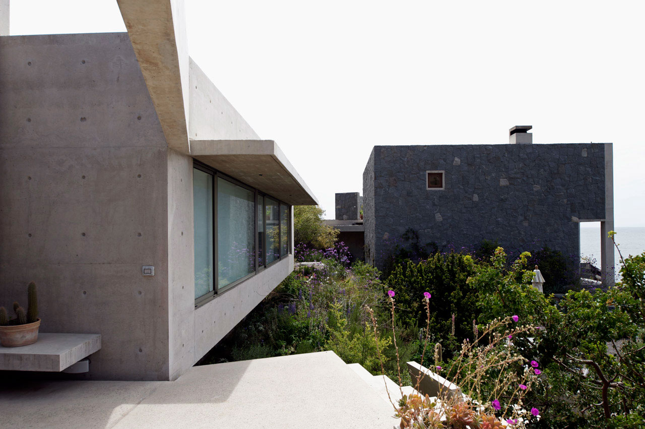 Terrace, Oceanfront Holiday Houses in Punta Pite, Chile