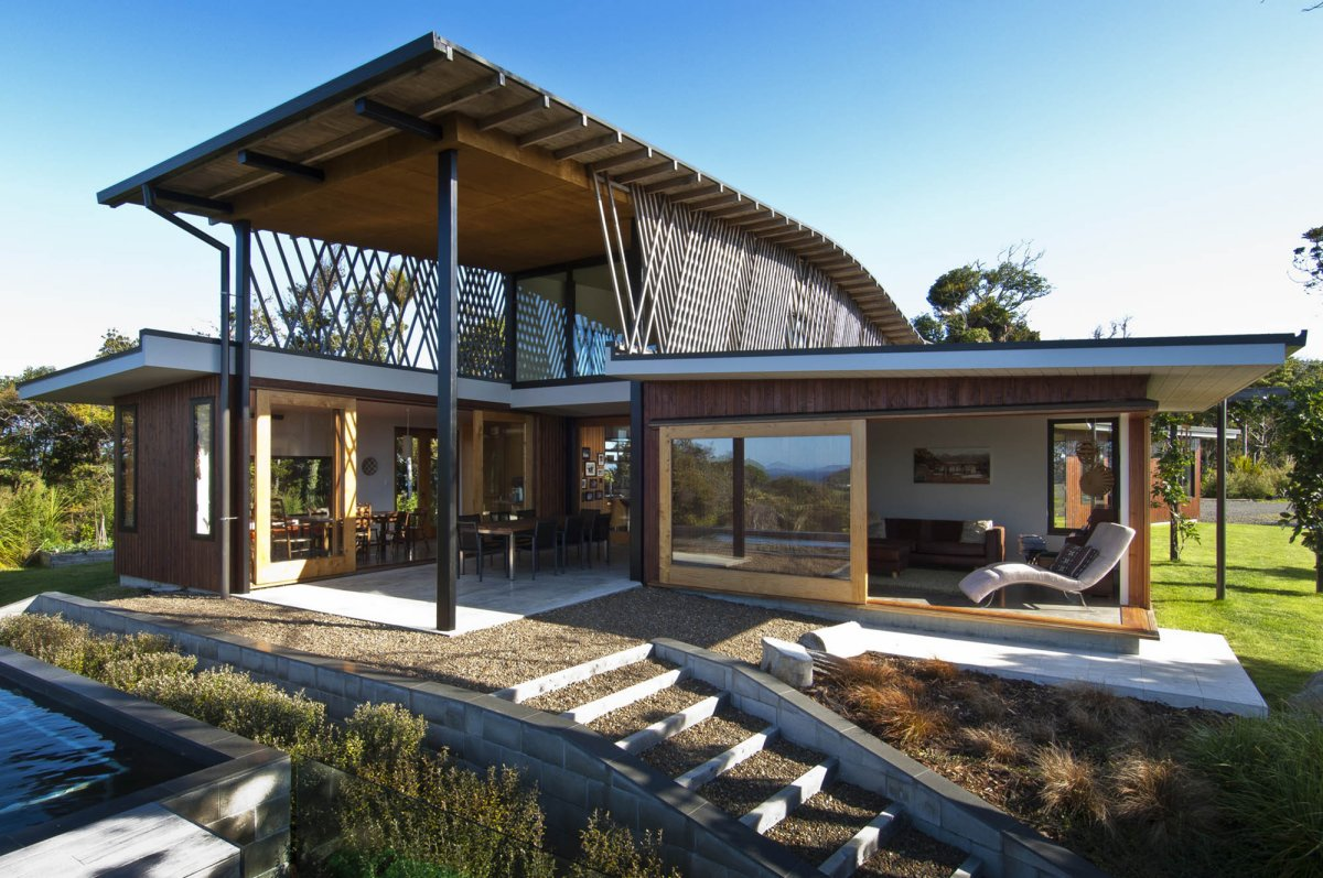 Hilltop Home with Stunning Views in Ngunguru, New Zealand