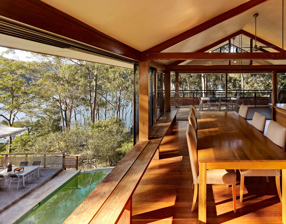 Wooden Dining Table, Treetops Holiday Home in Sydney, Australia