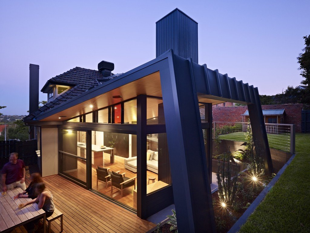 Modern renovation extension in melbourne australia for Beach house designs melbourne