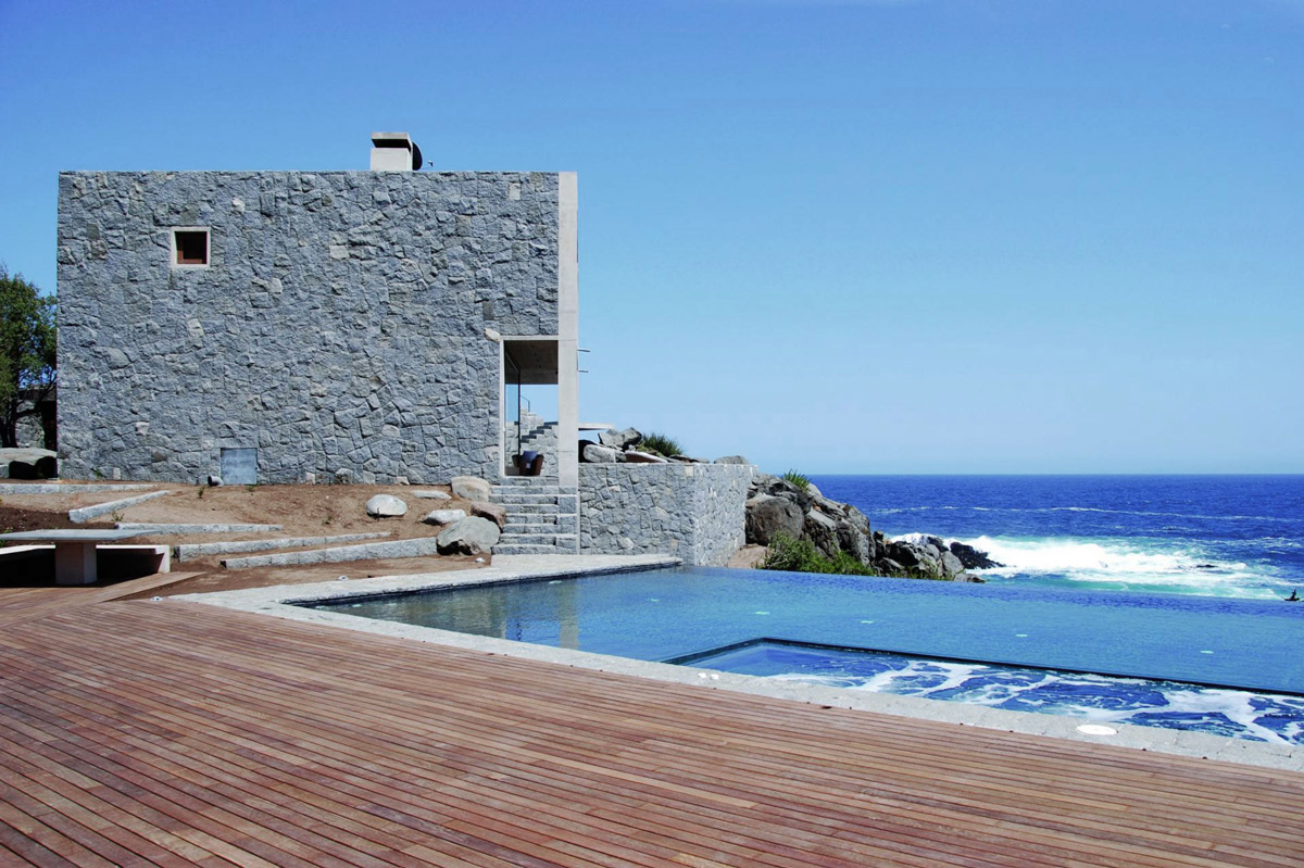 Wooden Terrace, Infinity Pool, Oceanfront Holiday Houses in Punta Pite, Chile